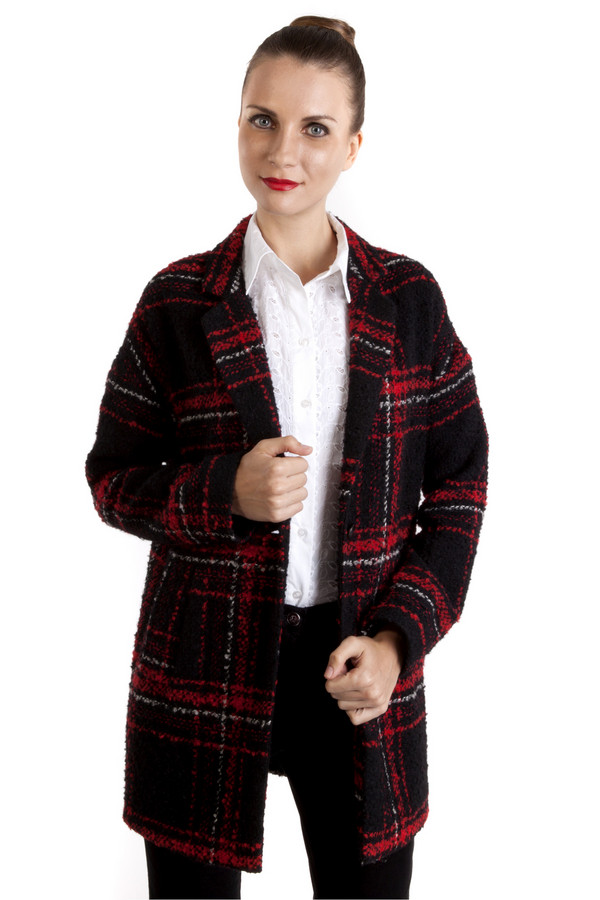 Жакет OuiЖакеты<br>Жакет Oui оформленный в черно-красную клетку с белой окантовкой, изготовленный из сочетания шерсти и вискозы. Идеально подойдет для посещения работы или прогулок с друзьями в ветреную погоду. Жакет застегивается на пуговицы. Глубокие карманы, основание которых декорировано пуговками. Пальто можно носить в тандеме с  шарфом .<br><br>Размер RU: 48<br>Пол: Женский<br>Возраст: Взрослый<br>Материал: полиэстер 20%, шерсть 45%, вискоза 15%, полиакрил 20%<br>Цвет: Разноцветный