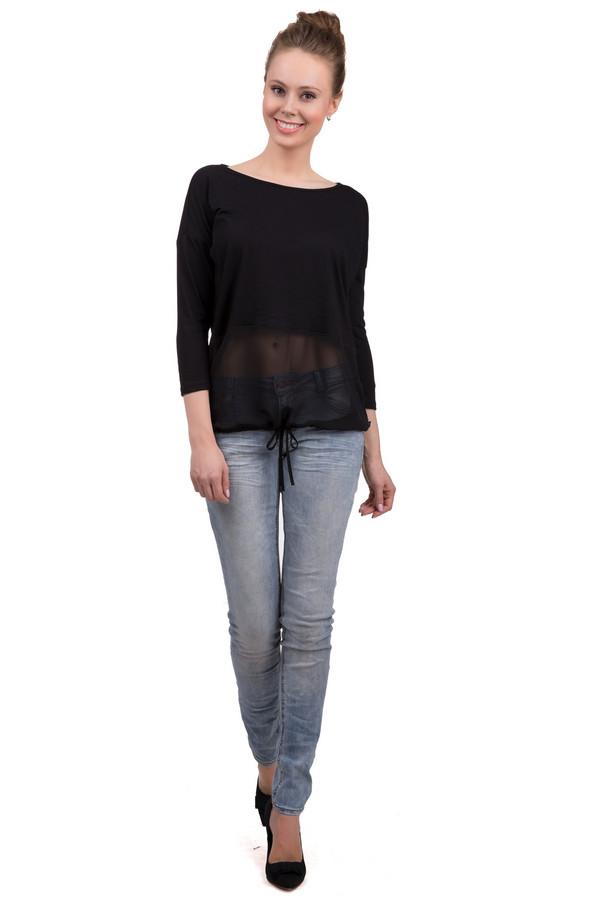 Модные джинсы s.OliverМодные джинсы<br>Модные женские джинсы от бренда s.Oliver, голубого цвета с эффектом потертости. Это джинсы-скинни, с застежкой-молнией, на кокетке. Модель дополнена двумя накладными карманами сзади, и тремя боковыми карманами спереди. Внутренняя часть обработана двойной строчкой. Состав - 79% хлопка, 20% полиэстера и 1% эластана.<br><br>Размер RU: 42<br>Пол: Женский<br>Возраст: Взрослый<br>Материал: эластан 1%, полиэстер 20%, хлопок 79%<br>Цвет: Голубой