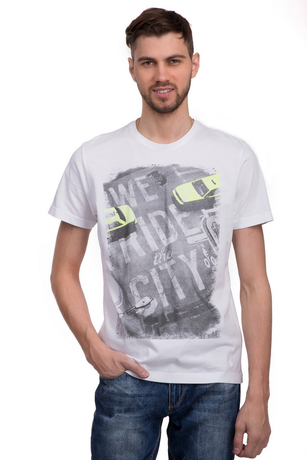Футболкa s.OliverФутболки<br>Мужская футболка от бренда s.Oliver. Эта простая футболка светло-серого цвета, украшенная необычным черно-белым принтом с ярко желтыми акцентами. Она пошита по классическому покрою. Изделие дополнено: круглым вырезом и короткими рукавами. Сделана она из материала, который на 100% состоит из хлопка, поэтому в ней удобно даже в летнее время года. Прекрасно будет смотреться как с джинсами, так и с шортами.<br><br>Размер RU: 44-46<br>Пол: Мужской<br>Возраст: Взрослый<br>Материал: хлопок 100%<br>Цвет: Разноцветный