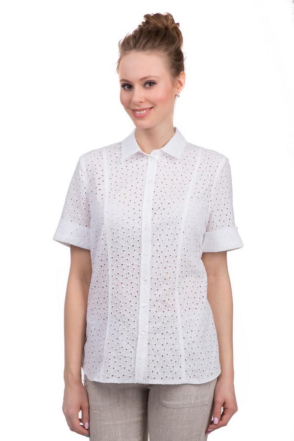 Блузa ErfoБлузы<br>Женская блуза от бренда Erfo. Это простая блуза на пуговицах белого цвета. Изделие выполнено из 100% хлопка приятного на ощупь. У данной блузы рукава длиной до середины плеча, а также отложной воротник. Блуза декорирована перфорацией.<br><br>Размер RU: 44<br>Пол: Женский<br>Возраст: Взрослый<br>Материал: хлопок 100%<br>Цвет: Белый