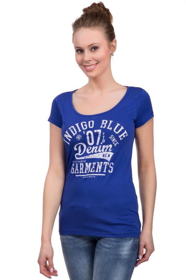 Футболка Tom TailorФутболки<br>Футболка ярко-синего цвета с принтом надписей на груди, который выполнен в белом цвете с эффектом потертости. Это футболка от известного бренда Tom Tailor, которая пошита из 100% хлопка. У данного изделия короткий рукав и глубокий круглый вырез.<br><br>Размер RU: 40-42<br>Пол: Женский<br>Возраст: Взрослый<br>Материал: хлопок 100%<br>Цвет: Белый
