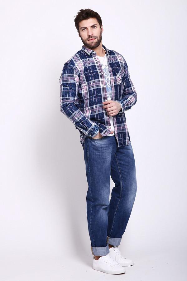 Модные джинсы Flavio NavaМодные джинсы<br>Фирменные джинсы для мужчин, от бренда Flavio Nava. Это джинсы средней посадки, прямого покроя, сшитые из 100% хлопка. Данная модель представлена в синем оттенке, с ярко выраженным эффектом потертости. Джинсы дополнены классическими боковыми и задними карманами.