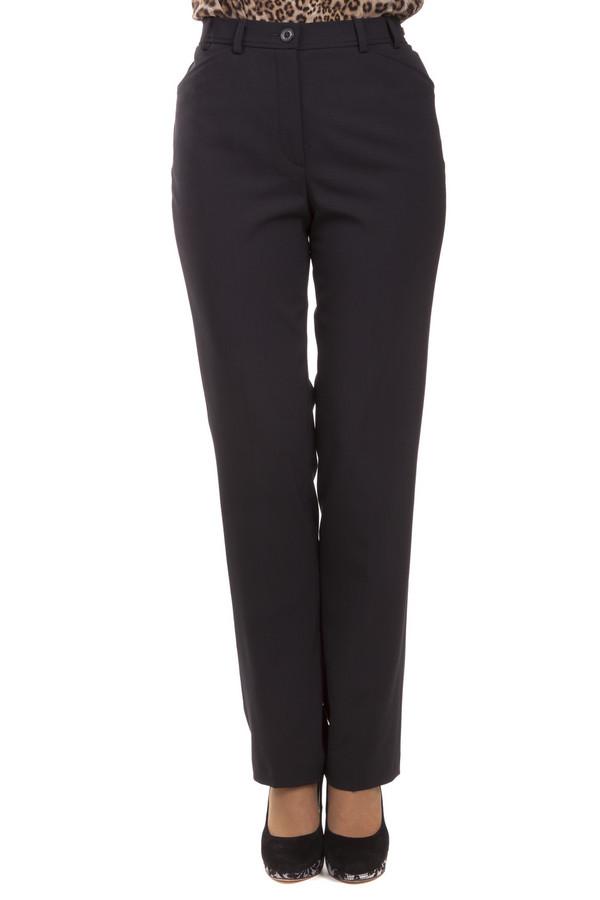 Брюки GardeurБрюки<br>Женские брюки от бренда Gardeur прямого кроя выполнены из костюмного материала черного цвета. Изделие дополнено: эластичным поясом с шлевками для ремень, классическими стрелками, выточками и двумя боковыми карманами. Центральная часть застегивается на молнию и фиксируется пуговицу.<br><br>Размер RU: 46<br>Пол: Женский<br>Возраст: Взрослый<br>Материал: эластан 5%, полиэстер 52%, шерсть 43%<br>Цвет: Чёрный