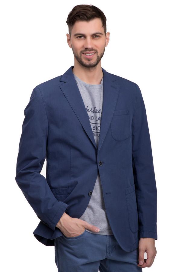 Пиджак CalamarПиджаки<br>Стильный мужской пиджак синего цвета от бренда Calamar. Данное изделие выполнено из 100% хлопка и дополнено отложным воротником с лацканами, парой боковых карманов и одним нагрудным. Пуговицы пиджака выполнены в черном цвете.<br><br>Размер RU: 54<br>Пол: Мужской<br>Возраст: Взрослый<br>Материал: хлопок 100%<br>Цвет: Синий