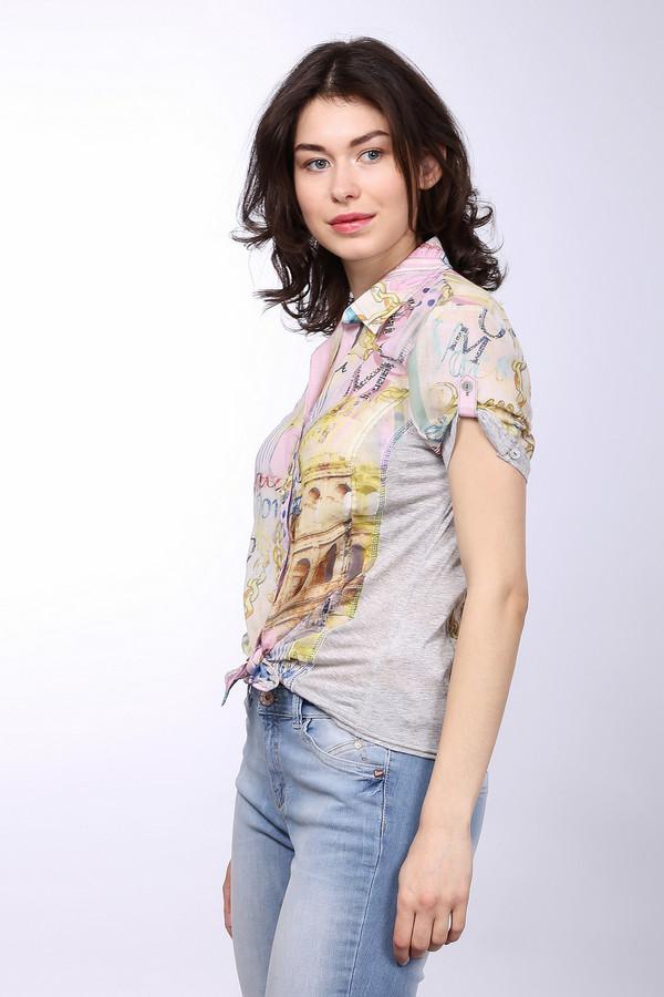Блузa SE StenauБлузы<br>Стильная женская блуза-рубашка на пуговицах, от бренда SE Stenau. Блуза выполнена в розовом цвете, с изображением Колизея, цепей и колонн, и дополнена серой окантовкой рукавов. У данного изделия отложной воротник и рукава длиной до середины плеча.<br><br>Размер RU: 52<br>Пол: Женский<br>Возраст: Взрослый<br>Материал: полиэстер 100%<br>Цвет: Разноцветный
