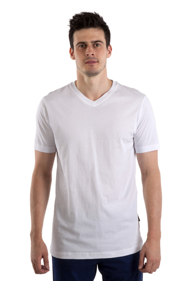 Футболкa PezzoФутболки<br>Однотонная белая мужская футболка Pezzo прямого кроя. Изделие дополнено: v-образным вырезом и короткими рукавами.<br><br>Размер RU: 50<br>Пол: Мужской<br>Возраст: Взрослый<br>Материал: хлопок 100%<br>Цвет: Белый