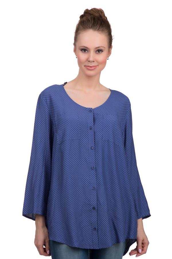 Блузa SamoonБлузы<br>Стильная женская блуза свободного покроя, от бренда Samoon. Блуза представлена в синем цвете и дополнена мелким белым горошком. Данная блуза на пуговицах, с рукавами три четверти, круглым вырезом и двумя нагрудными карманами. Эта блуза пошита из 100% полиэстера.<br><br>Размер RU: 54<br>Пол: Женский<br>Возраст: Взрослый<br>Материал: вискоза 100%<br>Цвет: Белый