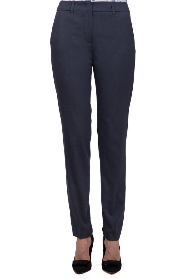 Брюки TaifunБрюки<br>Стильные женские брюки-дудочки темно-синего цвета от бренда Taifun, пошитые из материала, который на 49% состоит из полиэстера, на 48% из вискозы и на 3% из эластана. Изделие дополнено двумя боковыми и парой задних карманов. На поясе расположены шлевки для ремня. Центральная часть застегивается на молнию и фиксируется на застежку крючок-петля.<br><br>Размер RU: 40<br>Пол: Женский<br>Возраст: Взрослый<br>Материал: эластан 3%, полиэстер 49%, вискоза 48%<br>Цвет: Серый
