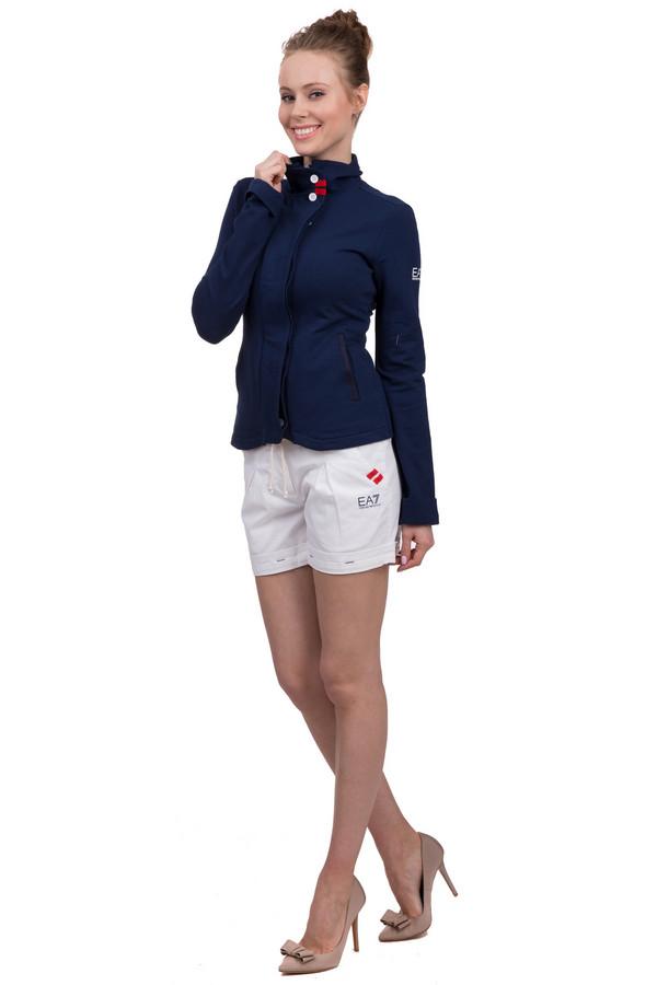 Шорты EA7Шорты<br>Шорты белого цвета для женщин, от фирмы EA7. Это шорты с подворотами, длиной до середины бедра, дополненные двумя боковыми передними карманами, а также одним задним. На передней части шорт, также, есть эмблема бренда EA7, а на поясе они завязываются на тонкую веревку бежевого цвета. Изделие изготовлено из хлопка с добавлением эластана.<br><br>Размер RU: 38<br>Пол: Женский<br>Возраст: Взрослый<br>Материал: эластан 3%, хлопок 97%<br>Цвет: Разноцветный