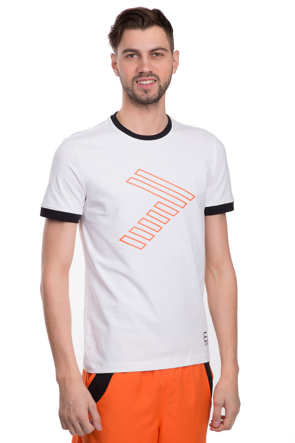 Футболкa EA7Футболки<br>Мужская футболка от бренда EA7 прямого кроя. Эта футболка выполнена их хлопкового материала белого цвета с незначительным добавлением эластана. Изделие дополнено: круглым воротом и короткими рукавами до середины плеча. Ворот и манжеты оформлены контрастной черной окантовкой. Футболка декорирована геометрическим принтом и изображением эмблемы бренда. В комплект к футболке можно подобрать шорты EA7.<br><br>Размер RU: 52-54<br>Пол: Мужской<br>Возраст: Взрослый<br>Материал: эластан 6%, хлопок 94%<br>Цвет: Разноцветный