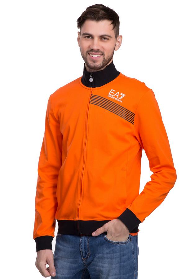 Джемпер EA7Джемперы<br>Джемпер на молнии от бренда EA7 для мужчин. Это джемпер ярко-оранжевого цвета, с черными вставками. Изделие дополнено воротником-стойкой на резинке, а так же рукавами и низом на резинке. Изделие пошито из натурального хлопка.<br><br>Размер RU: 52-54<br>Пол: Мужской<br>Возраст: Взрослый<br>Материал: хлопок 100%<br>Цвет: Чёрный