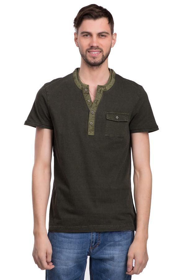 Футболкa Tom TailorФутболки<br>Стильная футболка для мужчин от бренда Tom Tailor. Эта футболка в стиле кэжуал темно-зеленого цвета в черную тонкую полоску. Футболка сшита по классическому покрою. Изделие дополнено: круглым вырезом с планкой на пуговицах, одним нагрудным карманом с застежкой-пуговица и короткими рукавами длиной до середины плеча. Материал из которого она пошита, на 100% состоит из хлопка, поэтому она невероятно приятна к телу.<br><br>Размер RU: 44-46<br>Пол: Мужской<br>Возраст: Взрослый<br>Материал: хлопок 100%<br>Цвет: Разноцветный