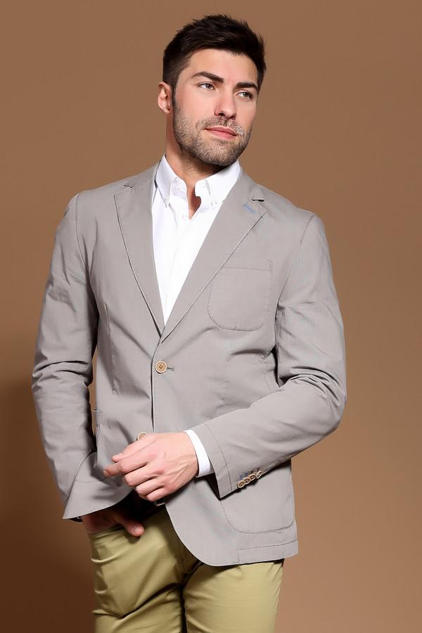 Пиджак CalamarПиджаки<br>Фирменный мужской пиджак от Calamar. Данный пиджак выполнен в сером цвете из материала, который на 99% состоит из хлопка и на 1% из эластана, а потому очень удобный и не сковывает движений. Изделие дополнено двумя боковыми карманами, одним нагрудным карманом, а также отложным воротником с лацканами. На спине снизу пиджака есть вырез.<br><br>Размер RU: 54К<br>Пол: Мужской<br>Возраст: Взрослый<br>Материал: эластан 1%, хлопок 99%<br>Цвет: Коричневый
