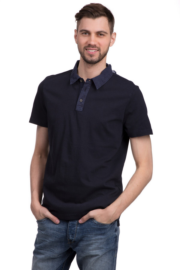 Поло Tom TailorПоло<br>Поло для мужчин от бренда Tom Tailor. Это поло в черно-серую полоску, пошитое из 100% хлопка. Изделие дополнено отложным воротником на пуговицах серого цвета и рукавом длиной до середины плеча.<br><br>Размер RU: 48-50<br>Пол: Мужской<br>Возраст: Взрослый<br>Материал: хлопок 100%<br>Цвет: Синий