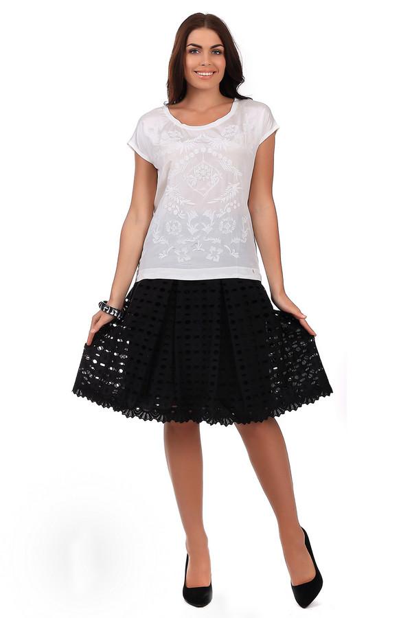 Юбка GardeurЮбки<br>Элегантная летняя юбка Gardeur черного цвета. Данное изделие выполнено из натурального хлопка. Дополнено оригинальным красивым орнаментом. Юбка сделана в форме полусолнца. Данная модель выигрышно смотрится даже с самой простой одеждой. Юбка хорошо сочетается с разнообразными аксессуарами и цветами.<br><br>Размер RU: 42<br>Пол: Женский<br>Возраст: Взрослый<br>Материал: хлопок 100%<br>Цвет: Чёрный