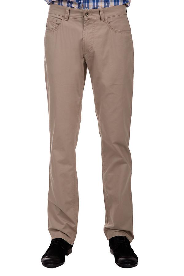 Брюки HattricБрюки<br>Мужские брюки средней посадки от бренда Hattric. Это брюки классического кроя, сшитые из 100% хлопка. Брюки представлены в классическом бежевом цвете и дополнены парой боковых, пятым и двумя задними карманами.<br><br>Размер RU: 48(L32)<br>Пол: Мужской<br>Возраст: Взрослый<br>Материал: хлопок 100%<br>Цвет: Бежевый