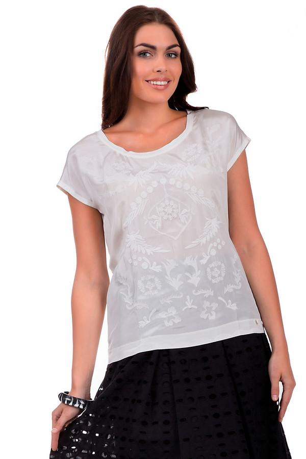 Блузa CinqueБлузы<br>Просторная блуза от бренда Cinque белого цвета на первый взгляд выглядит совершенно однотонной, и лишь при ближайшем рассмотрении на ней можно увидеть ненавязчивый узор в виде цветов. Прелесть изделия в том, что оно выполнено из натурального шелка. Модель дополнена короткими рукавами, что свидетельствует о том, что блузу удобно носить летом и круглым вырезом горловины.<br><br>Размер RU: 38/40<br>Пол: Женский<br>Возраст: Взрослый<br>Материал: шелк 100%<br>Цвет: Белый