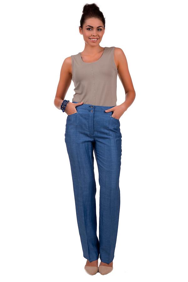 Брюки LebekБрюки<br>Женские синие брюки от бренда Lebek прямого кроя пошиты из вискозы, льна и полиэстера. Такая формула материалов позволяет дарить прохладу в жаркое летнее время. Изделие дополнено двумя карманами и застежкой из двух пуговиц, дополняющей основную застежку - молнию.<br><br>Размер RU: 54<br>Пол: Женский<br>Возраст: Взрослый<br>Материал: вискоза 41%, лен 54%, полиэстер 5%<br>Цвет: Синий