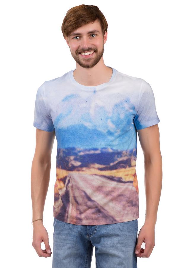 Футболкa Boss OrangeФутболки<br>Стильная мужская футболка от бренда Boss Orange. Это классическая футболка приталенного кроя с круглым вырезом и рукавом длиной до середины плеча. Изделие выполнена из смеси полиэстера и хлопка и декорировано принтом с размытой фотографией пустынной дороги.<br><br>Размер RU: 50-52<br>Пол: Мужской<br>Возраст: Взрослый<br>Материал: полиэстер 60%, хлопок 40%<br>Цвет: Разноцветный