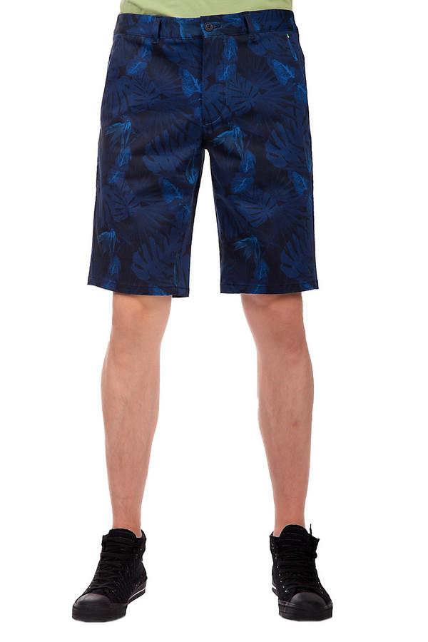 Шорты Boss GreenШорты<br>Мужские шорты от бренда Boss Green. Это шорты с тропическим принтом, выполненным в различных оттенках синего. Это шорты средней посадки, длиной до колена, сшитые из смеси хлопка и вискозы с добавлением эластана. Шорты дополнены двумя боковыми, парой задних карманов, а также пятым карманом.<br><br>Размер RU: 50<br>Пол: Мужской<br>Возраст: Взрослый<br>Материал: эластан 3%, вискоза 48%, хлопок 49%<br>Цвет: Разноцветный