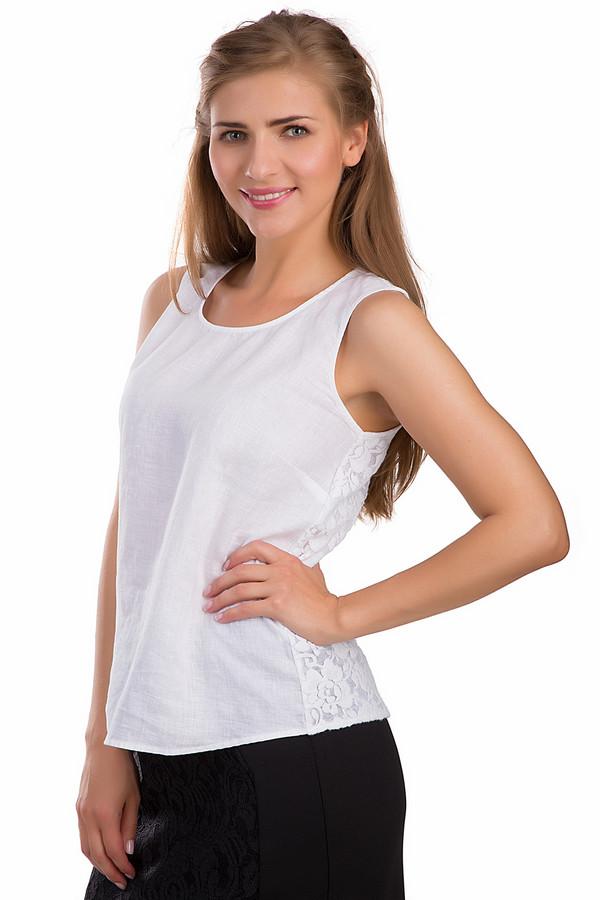 Топ PassportТопы<br>Женственный топ Passport белого цвета. Это изделие было выполнено из натурального льна. Данная модель предназначена для летнего сезона. Дополнена кружевной вставкой с цветочными рисунками на спине. Отлично смотрится с женственными юбками и с брюками свободного кроя. Сочетается с разнообразной одеждой.<br><br>Размер RU: 42<br>Пол: Женский<br>Возраст: Взрослый<br>Материал: лен 100%<br>Цвет: Белый