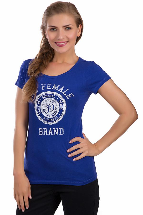 Футболка Tom TailorФутболки<br>Спортивная футболка Tom Tailor синего цвета. Это изделие было выполнено из натурального хлопка. Данная модель предназначена для летнего сезона. Она дополнена эмблемой и надписью «Female Team» белого цвета на синем фоне. Футболка сидит по фигуре. Отлично подойдет для занятий спортом или для летней вечерней прогулки.<br><br>Размер RU: 40-42<br>Пол: Женский<br>Возраст: Взрослый<br>Материал: хлопок 100%<br>Цвет: Белый
