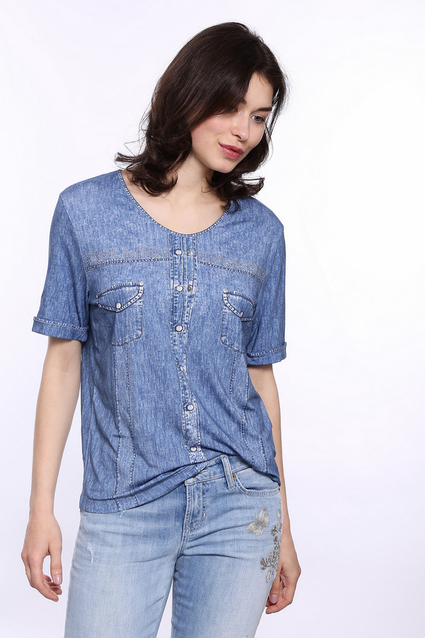 Футболка BaslerФутболки<br>Футболка женская торговой марки Basler в джинсовом стиле, представлена в синем цвете. Эта модель дополнена U-образным вырезом, рукавами длиной до середины плеча с небольшими декоративными подкатами и украшена стразами. Состав данного изделия - вискоза с добавлением эластана.<br><br>Размер RU: 48<br>Пол: Женский<br>Возраст: Взрослый<br>Материал: эластан 8%, вискоза 92%<br>Цвет: Синий