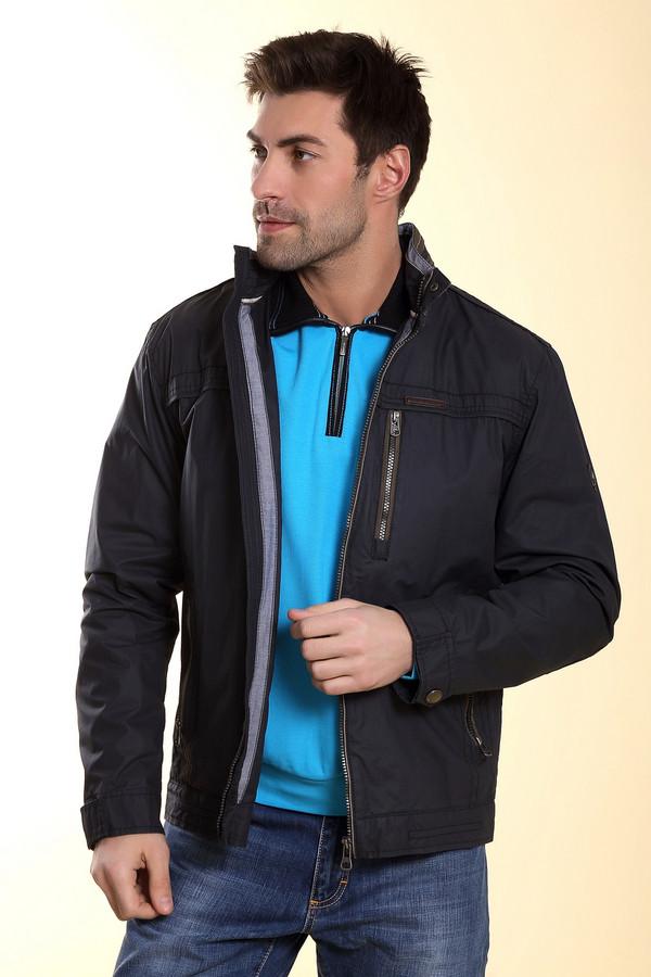 Куртка CabanoКуртки<br>Мужская куртка от бренда Cabano из полиэстера чёрного цвета имеет строгий, прямой покрой. Геометричная линия плеч изделия сделает плечи визуально шире. У модели три кармана на молнии, два классических и один нагрудный, расположенный по вертикали. Изделие дополнено капюшоном, который пристёгивается и снимается по желанию владельца.<br><br>Размер RU: 54<br>Пол: Мужской<br>Возраст: Взрослый<br>Материал: полиэстер 100%<br>Цвет: Чёрный