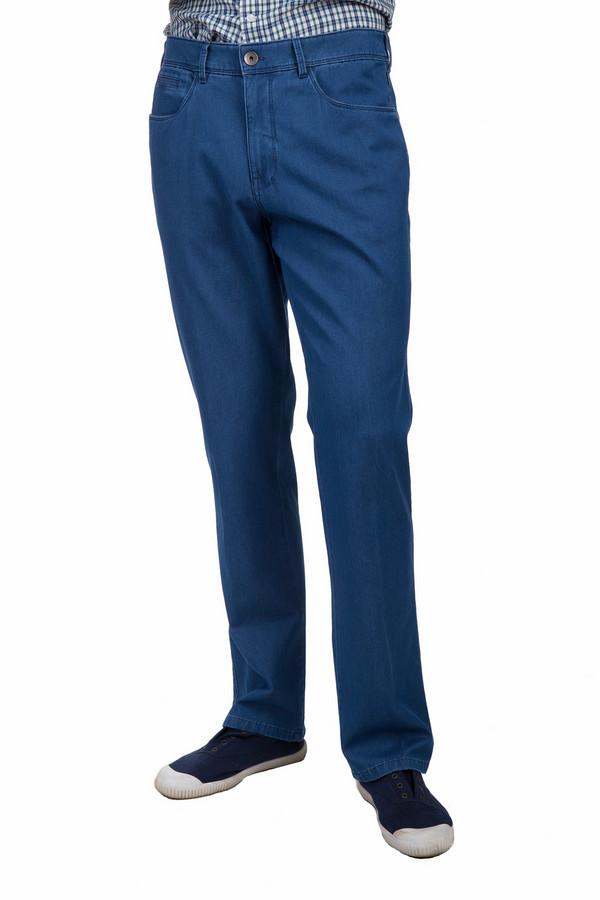 Джинсы GardeurДжинсы<br>Стильные мужские джинсы Gardeur синего цвета. Брюки сделаны и эластана и хлопка. Данную модель можно носить круглый год. Джинсы дополнены шлевками для ремня, карманами по бокам и сзади, застежкой на молнии и металлической кнопке. Такие джинсы хорошо подойдут на каждый день. Можно сочетать как с классическими рубашками, так и с футболками.<br><br>Размер RU: 58K<br>Пол: Мужской<br>Возраст: Взрослый<br>Материал: эластан 1%, хлопок 99%<br>Цвет: Синий