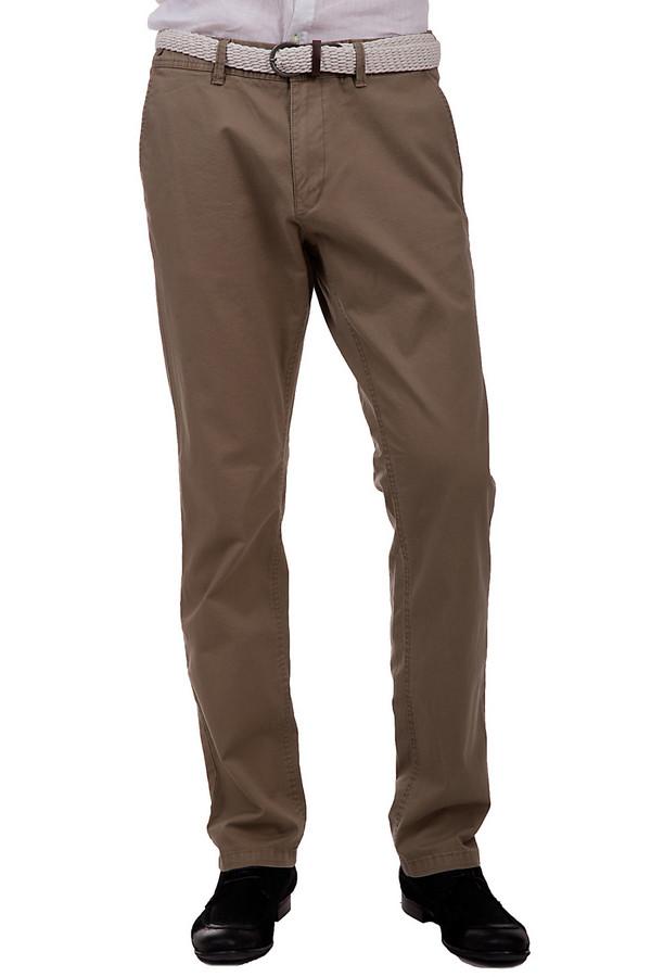 Брюки s.OliverБрюки<br>Стильные брюки прямого покроя для мужчин. Это брюки от бренда s.Oliver, выполненные из хлопка с небольшим процентом эластана. Изделие дополнено парой боковых и двумя задними карманами, а также белым плетеным поясом. Сами же брюки представлены в пастельном оттенке коричневого.<br><br>Размер RU: 50(L34)<br>Пол: Мужской<br>Возраст: Взрослый<br>Материал: хлопок 98%, эластан 2%<br>Цвет: Коричневый