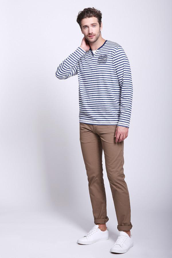 Брюки s.OliverБрюки<br>Мужские брюки от бренда s.Oliver. Брюки представлены в коричневом цвете, и сшиты по прямому покрою из 100% хлопка. Это брюки средней посадки, дополненные двумя боковыми и парой задних карманов.