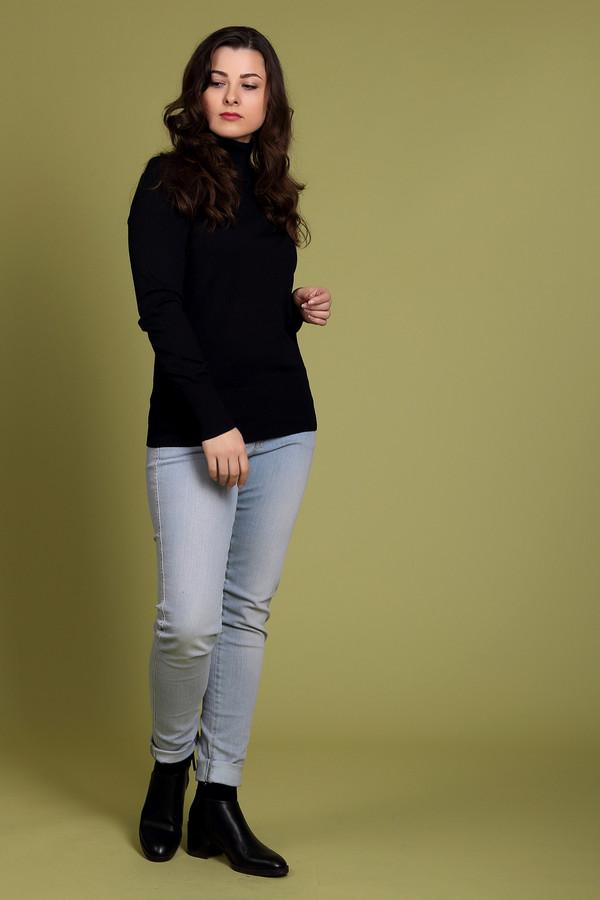 Модные джинсы MonariМодные джинсы<br>Модные женские джинсы Monari голубого цвета. Это изделие было выполнено из хлопка и эластана. Такую модель можно носить круглый год. Она дополнена боковыми, задними карманами, шлевками для ремня, застежкой на молнии и пуговице. Эти штаны сидят по фигуре. Хорошо сочетаются с одеждой светлых тонов.<br><br>Размер RU: 44<br>Пол: Женский<br>Возраст: Взрослый<br>Материал: хлопок 98%, эластан 2%<br>Цвет: Голубой