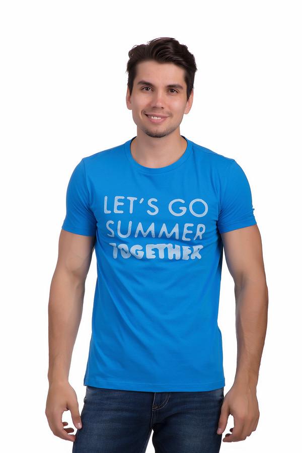Футболкa Boss OrangeФутболки<br>Яркая футболка для мужчин Boss Orange прилегающего кроя представлена в синем цвете. Изделие дополнено круглым вырезом и короткими рукавами. Модель оформлена принтом с надписями белого контрастного цвета. С легкостью подойдет как для повседневного использования, так и для занятия спортом.<br><br>Размер RU: 52-54<br>Пол: Мужской<br>Возраст: Взрослый<br>Материал: хлопок 100%<br>Цвет: Синий