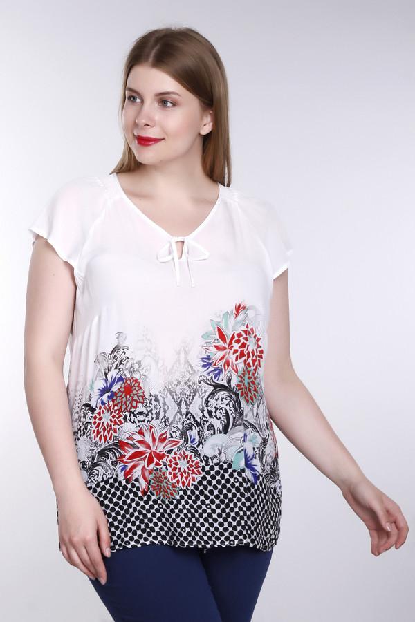 Блузa Betty BarclayБлузы<br>Женственная блуза Betty Barclay белого, черного, красного, голубого и синего цветов. Это изделие было выполнено из вискозы. Данная модель предназначена для летнего сезона. Дополнена ярким разноцветным цветочным орнаментом и двумя белыми шнурками, завязанными выше груди. Такая блуза отлично сочетается с однотонной и разноцветной одеждой.