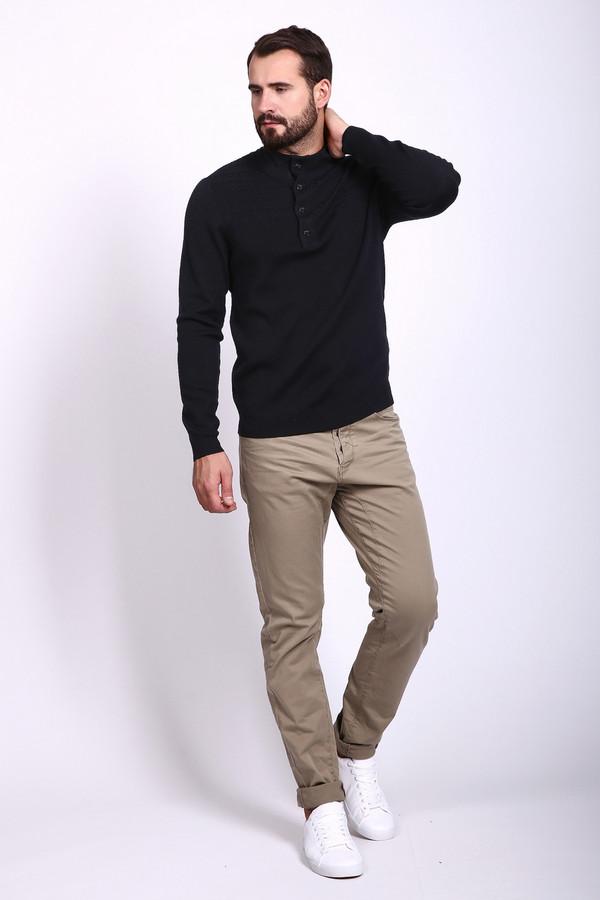 Модные джинсы s.Oliver DENIMМодные джинсы<br>Стильные джинсы от немецкого бренда s.Oliver для мужчин выполнены из бежевого дэнима слегка заужены книзу. Изделие дополнено шлевками для ремня и пятью классическими карманами. Центральная часть застегивается на пуговицы. Джинсы прекрасно сочетаются с различными  футболками  и  рубашками .<br><br>Размер RU: 44-46(L34)<br>Пол: Мужской<br>Возраст: Взрослый<br>Материал: хлопок 98%, эластан 2%<br>Цвет: Бежевый