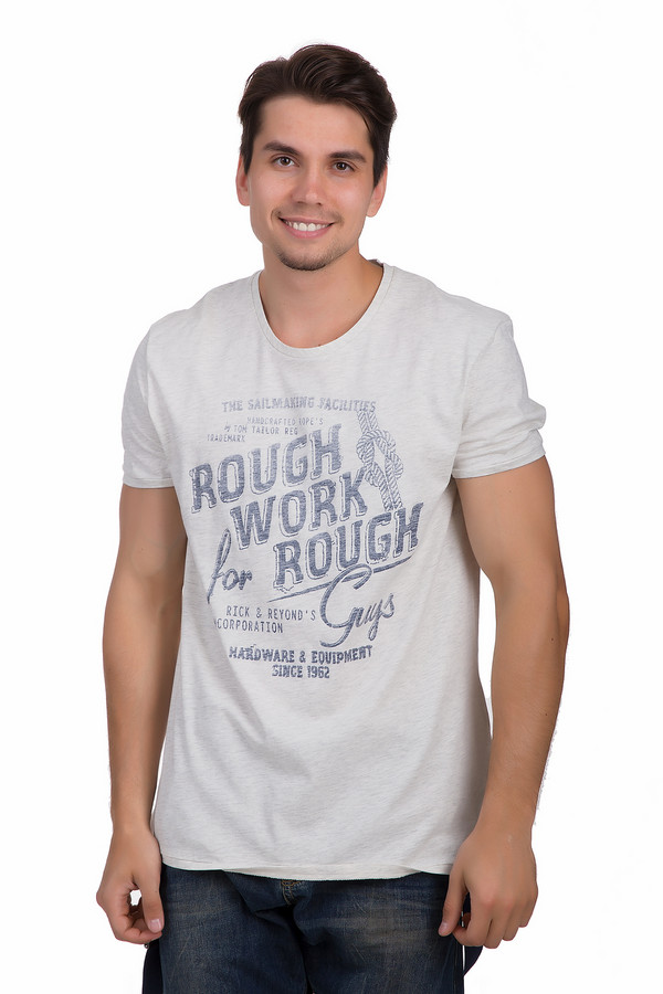 Футболкa Tom TailorФутболки<br>Светлая мужская футболка от бренда Tom Tailor прямого кроя выполнена из хлопковой ткани белого цвета. Изделие дополнено: круглым воротом и короткими рукавами для середины плеча. Футболка декорирована принтом контрастного темно-синего цвета с надписями.<br><br>Размер RU: 44-46<br>Пол: Мужской<br>Возраст: Взрослый<br>Материал: хлопок 100%<br>Цвет: Синий