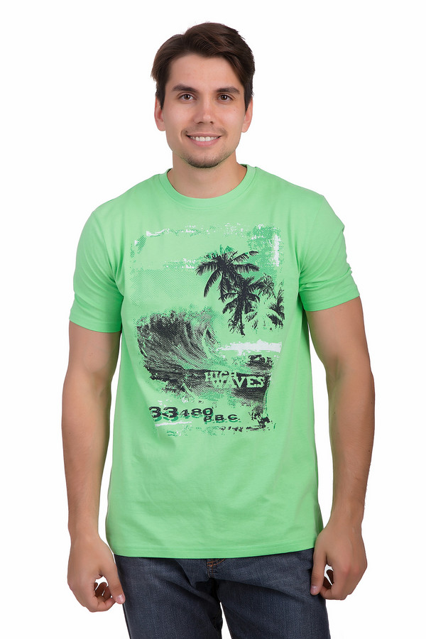 Футболкa MarvelisФутболки<br>Светло-зеленая футболка для мужчин от бренда Marvelis классического кроя выполнена из натурального 100% хлопка. Изделие дополнено круглым вырезом ворота и короткими рукавами до середины плеча. Футболка декорирована черно-белым изображением пляжа с пальмами и надписями. Идеальный вариант для летнего сезона в сочетании с  шортами .<br><br>Размер RU: 54-56<br>Пол: Мужской<br>Возраст: Взрослый<br>Материал: хлопок 100%<br>Цвет: Разноцветный