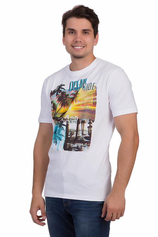 Футболкa MarvelisФутболки<br>Летняя футболка от бренда Marvelis для мужчин прилегающего кроя выполнена из натуральной хлопковой ткани белого цвета. Изделие дополнено круглым воротом и короткими рукавами. Футболка декорирована ярким фотопринтом с морскими пейзажами и надписями. Гармонично смотрится с  шортами  и создает позитивное летнее настроение.<br><br>Размер RU: 50-52<br>Пол: Мужской<br>Возраст: Взрослый<br>Материал: хлопок 100%<br>Цвет: Разноцветный