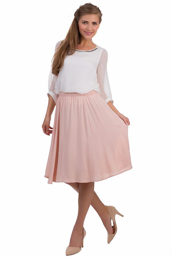 Юбка Tom TailorЮбки<br>Модная юбка Tom Tailor розового цвета. Это изделие было выполнено из вискозы. Данная модель предназначена для летнего сезона. Дополнена сверху резинкой. Юбка средней длины. Хорошо сочетается с однотонной и разноцветной одеждой. Данное изделие придаст летнему образу легкости и романтичности.<br><br>Размер RU: 44<br>Пол: Женский<br>Возраст: Взрослый<br>Материал: вискоза 100%<br>Цвет: Розовый