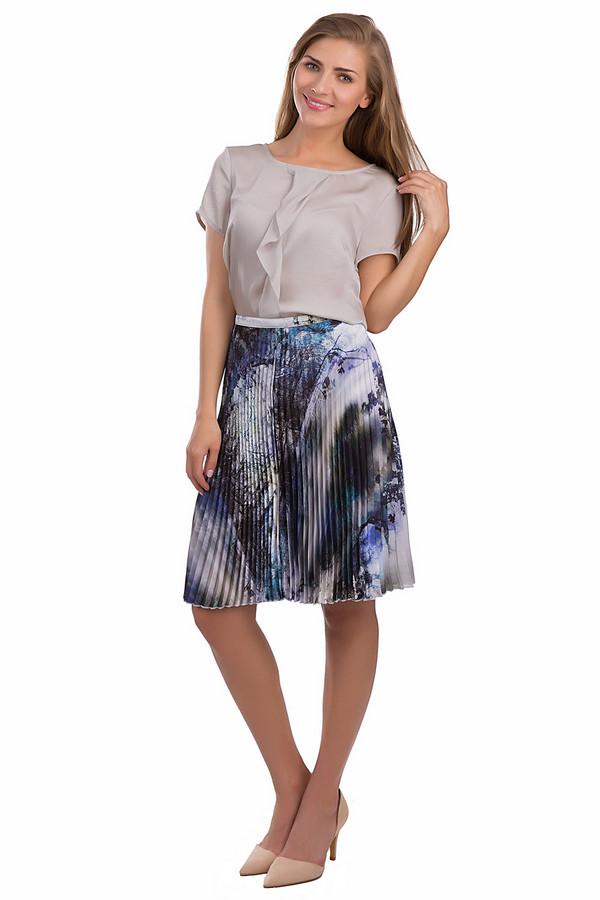 Юбка ApanageЮбки<br>Красивая юбка Apanage черного, синего и белого цветов. Это изделие выполнено из полиэстера. Данная модель предназначена для летнего сезона. Она дополнена плиссировкой и разноцветным орнаментом. Сочетается с одеждой разных стилей, цветов и фактур. Стильное решение для повседневного образа.<br><br>Размер RU: 52<br>Пол: Женский<br>Возраст: Взрослый<br>Материал: полиэстер 100%<br>Цвет: Разноцветный