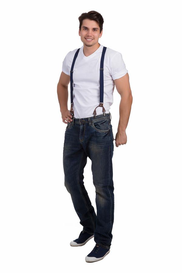 Модные джинсы Tom TailorМодные джинсы<br>Модные мужские джинсы Tom Tailor темно-синего цвета. Это изделие было изготовлено из натурального хлопка. Их можно носить круглый год. Штаны дополнены удобными карманами, шлевками, застежкой на молнии и пуговице, подтяжками. Это стильное решение для повседневного образа. Сочетается с рубашками и футболками.<br><br>Размер RU: 46(L34)<br>Пол: Мужской<br>Возраст: Взрослый<br>Материал: хлопок 100%<br>Цвет: Синий