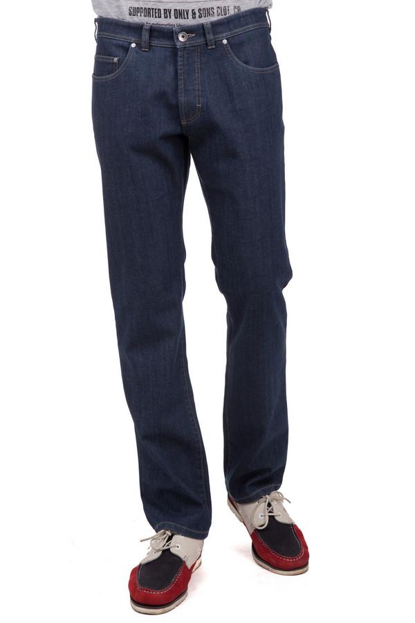 Джинсы GardeurДжинсы<br>Стильные мужские штаны Gardeur темного синего цвета. Это изделие было выполнено из эластана и хлопка. Эту модель можно носить круглый год. Они дополнены застежкой на молнии и пуговице, карманами сбоку и сзади, шлевками для ремня. Такие джинсы хорошо сочетаются с одеждой разных стилей и цветов. Это отличное решение на каждый день.<br><br>Размер RU: 60(L32)<br>Пол: Мужской<br>Возраст: Взрослый<br>Материал: эластан 2%, полиэстер 25%, хлопок 73%<br>Цвет: Синий