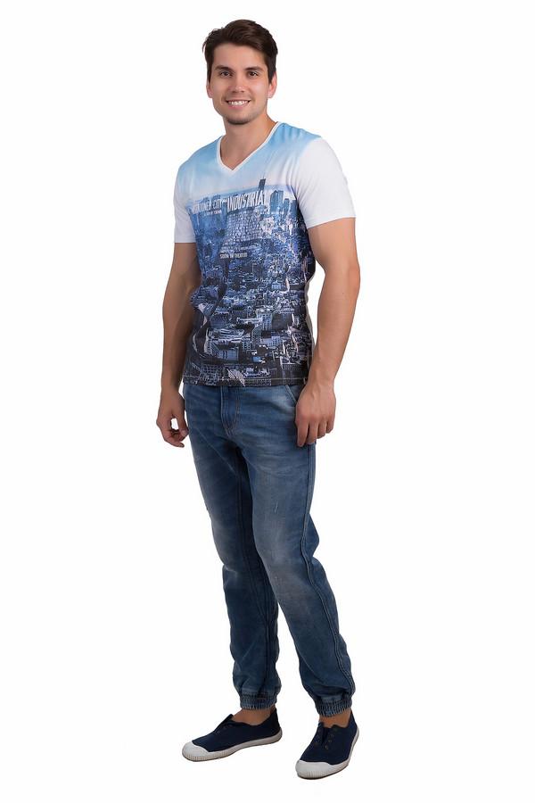 Модные джинсы Tom TailorМодные джинсы<br>Удобные мужские джинсы Tom Tailor темного голубого цвета. Это изделие было выполнено из эластана, полиэстера и хлопка. Данная модель предназначена для теплой летней погоды. Джинсы дополнены шлевками для ремня, карманами по бокам и сзади и застежкой на молнии. Это стильное и практичное решение для повседневного образа.<br><br>Размер RU: 46(L34)<br>Пол: Мужской<br>Возраст: Взрослый<br>Материал: эластан 1%, полиэстер 11%, хлопок 88%<br>Цвет: Голубой