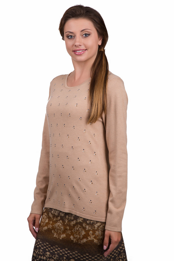 Пуловер Gerry WeberПуловеры<br>Практичный женский пуловер Gerry Weber бежевого цвета. Это изделие было выполнено из полиамида и вискозы. Данная модель предназначена для демисезонного периода. Пуловер сидит по фигуре, с длинными рукавами. Дополнен маленькими серебристыми камнями. Задняя часть изделия немного длиннее передней. Такая вещь может приукрасить любой повседневный образ.<br><br>Размер RU: 50<br>Пол: Женский<br>Возраст: Взрослый<br>Материал: полиамид 20%, вискоза 80%<br>Цвет: Бежевый