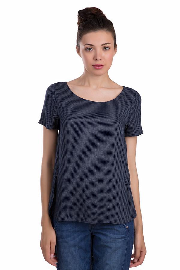 Блузa s.OliverБлузы<br>Простая женская блуза s.Oliver белого и синего цветов. Это изделие было выполнено из вискозы. Данная модель предназначена для летнего сезона. Дополнена металлической круглой эмблемой сзади и разрезами по бокам. Спинка изделия длиннее передней части. Стильное решение для повседневного образа.<br><br>Размер RU: 48<br>Пол: Женский<br>Возраст: Взрослый<br>Материал: вискоза 100%<br>Цвет: Белый
