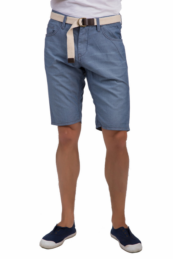Шорты Tom TailorШорты<br>Мужские шорты от немецкого бренда Tom Tailor прямого кроя выполнены из хлопкового дэнима светло-синего цвета. Изделие дополнено поясом с шлевками для ремня и пятью стандартными карманами. Центральная часть застегивается на молнию и фиксируется на пуговицу. В комплект к шортам входит плетеный бежевый ремень с металлической пряжкой и кожаным элементом. Шорты идеальный вариант для лета, гармонично смотрятся с  футболками  и  рубашками с коротким рукавом .<br><br>Размер RU: 48(L34)<br>Пол: Мужской<br>Возраст: Взрослый<br>Материал: хлопок 100%<br>Цвет: Голубой
