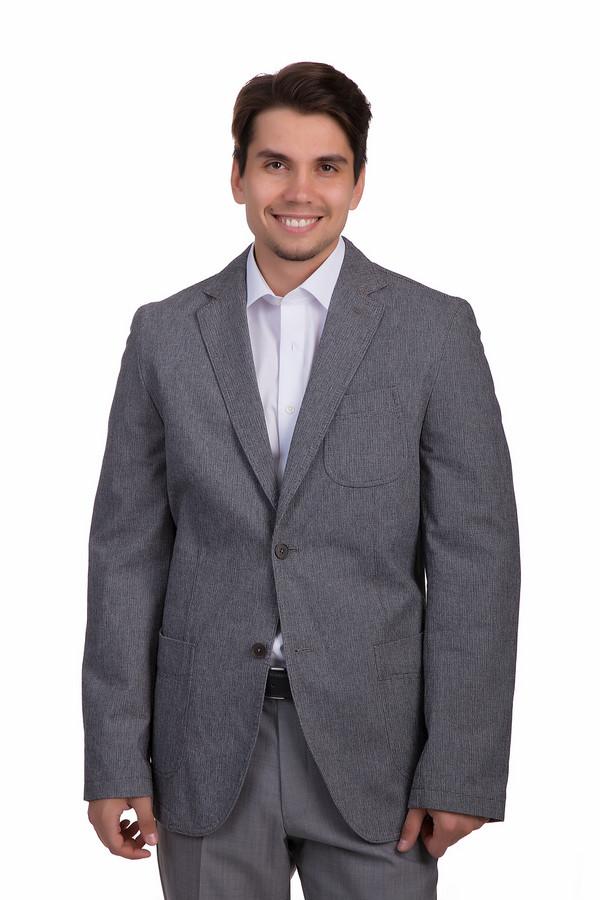 Пиджак CalamarПиджаки<br>Благородно-серый пиджак от бренда Calamar приталенного кроя выполнен из приятной на ощупь хлопковой ткани. Изделие дополнено: отложным воротником, внутренним карманом на молнии, тремя внешними накладными карманами, выточками и манжетами с пуговицами. Модель застегивается на пуговицы.  В качестве подкладки 100% полиэстер.<br><br>Размер RU: 48L<br>Пол: Мужской<br>Возраст: Взрослый<br>Материал: хлопок 100%<br>Цвет: Серый