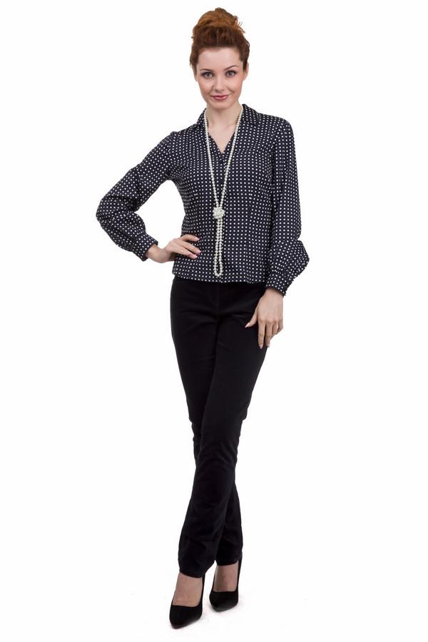 Брюки GardeurБрюки<br>Утонченные женские брюки от бренда Gardeur чёрного цветов. Это изделие было выполнено из хлопка и эластана. Данная модель предназначена для демисезонного периода. Брюки средней посадки. Дополнены шлевками, боковыми и задними карманами и застежкой. Такая модель отлично сочетается с одеждой различных расцветок.<br><br>Размер RU: 46<br>Пол: Женский<br>Возраст: Взрослый<br>Материал: хлопок 98%, эластан 2%<br>Цвет: Разноцветный