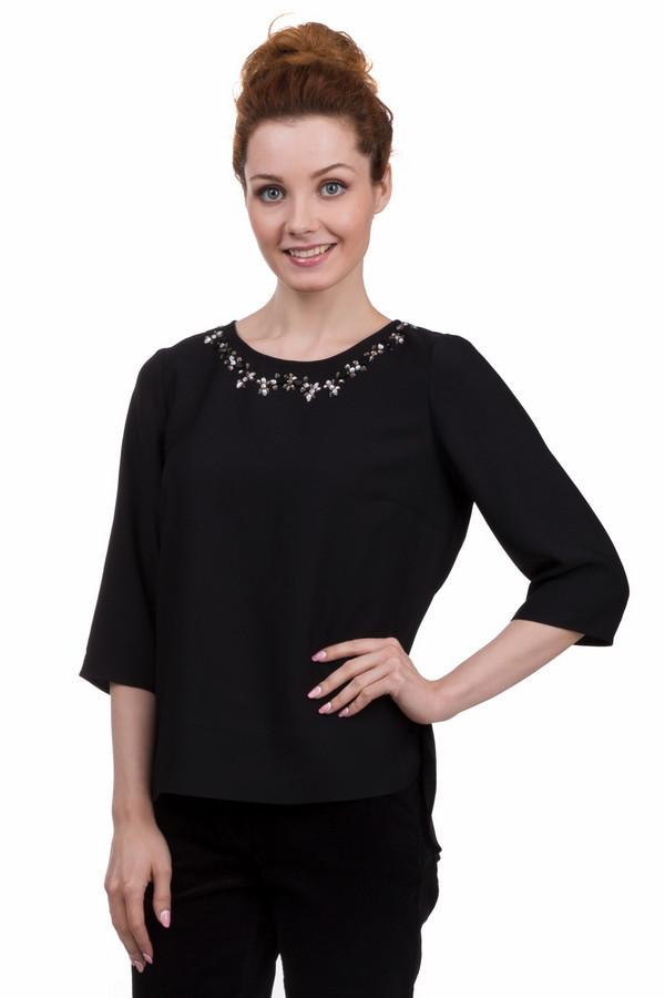 Блузa PezzoБлузы<br>Яркая женская блуза от бренда Pezzo чёрного цвета. Эта модель была сделана из полиэстера. Данное изделие предназначено для демисезонного периода. Дополнено вставками из не больших серебристых камней на вороте и застежкой на спине. Блуза свободного кроя. Рукава немного укороченные. Лучше всего сочетаются с темной одеждой.<br><br>Размер RU: 42<br>Пол: Женский<br>Возраст: Взрослый<br>Материал: полиэстер 100%<br>Цвет: Чёрный