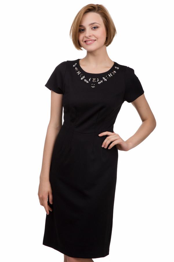 Вечернее платье PezzoВечерние платья<br>Вечернее женское платье от бренда Pezzo черного цвета. Это изделие было выполнено из полиэстера, спандекса и района. Данную модель можно носить круглый год. Платье свободного кроя и средней длинны. Дополнено не большими серебристыми камнями на вороте. Рукава короткие. Отличный вариант для вечерней прогулки или серьезного мероприятия.<br><br>Размер RU: 42<br>Пол: Женский<br>Возраст: Взрослый<br>Материал: полиэстер 70%, спандекс 4%, район 26%<br>Цвет: Чёрный